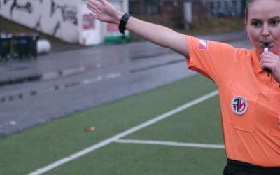 Prøv deg som fotballdommer?